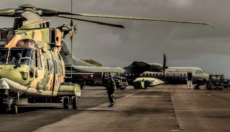 Aeronaves EH-101 Merlin e C-295M da Força Aérea Portuguesa.