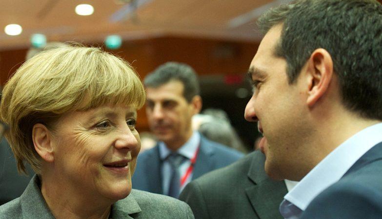 Angela Merkel com Alexis Tsipras numa reunião do European Council