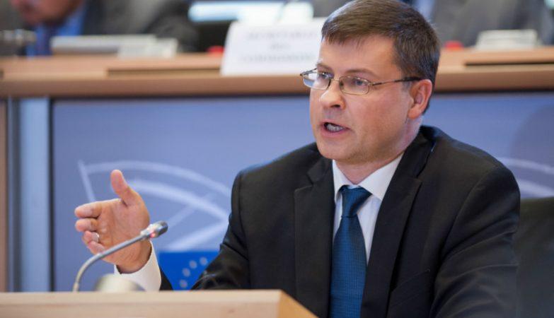 Valdis Dombrovskis, vice-presidente da Comissão Europeia responsável pelo Euro