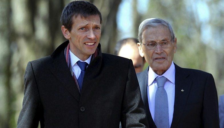 Belmiro de Azevedo, ex-Presidente da Sonae, (dir.) com o seu filho, o actual presidente da empresa, Paulo Azevedo (esq.)