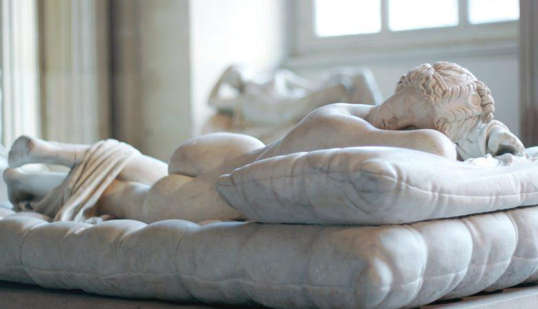 """Hermafrodita adormecido"", de Bernini (1619), Louvre"