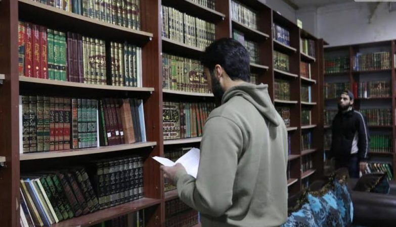 A biblioteca subterrânea já tem mais de 11 mil livros
