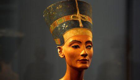O busto de Nefertit, exposto no Museu Egípcio de Berlim