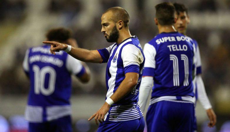 André André e Christian Tello marcaram os dois golos do FC Porto na Póvoa do Varzim