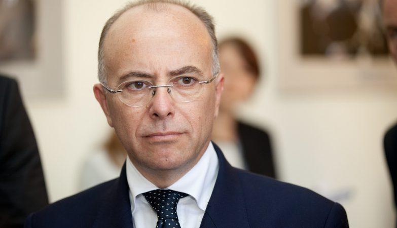 O ministro do Interior francês, Bernard Cazeneuve