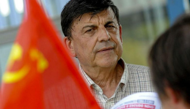 O advogado António Garcia Pereira em campanha pelo PDTP/MRPP