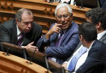 O secretário geral do Partido Socialista (PS), António Costa, na sessão plenária - início do debate do programa do XX Governo Constitucional