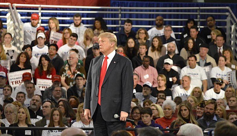 Donald Trump lidera as sondagens para a nomeação republicana a concorrer à Casa Branca
