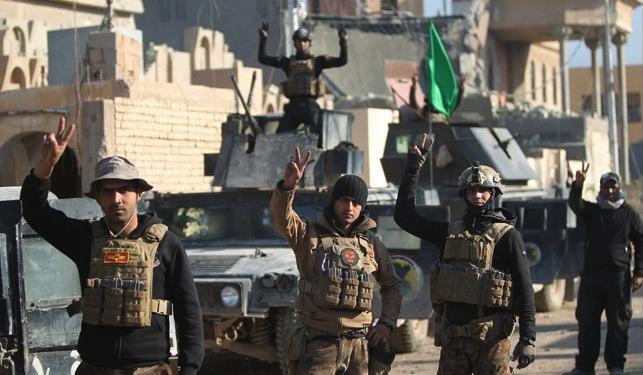 Forças iraquianas comemoram a vitória sobre o DAESH em Anbar