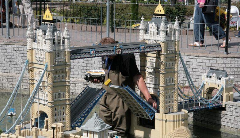 A Tower Bridge de Londres na Legoland