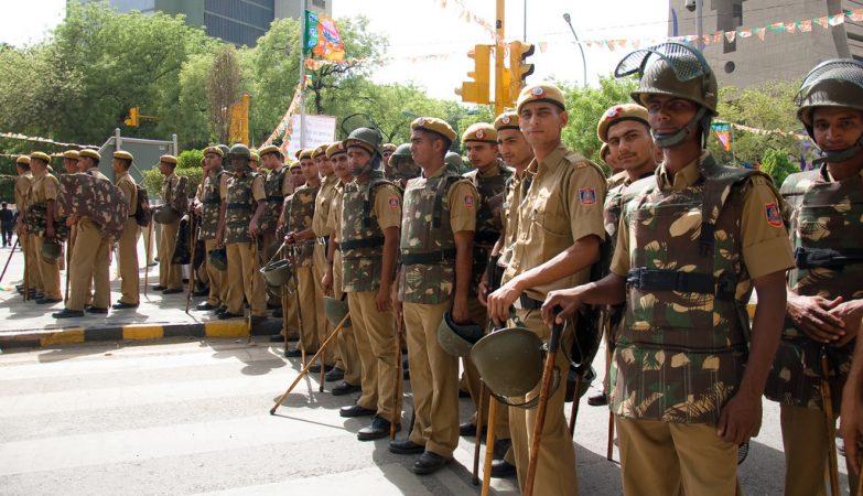 Ataque em mercado deixa 12 mortos na Índia