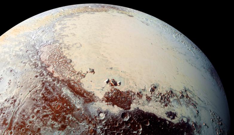 Imagem de Plutão enviada pela New Horizons em julho de 2015
