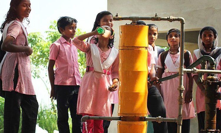 O purificador de água AMRIT inventado por Thalappil Pradeep