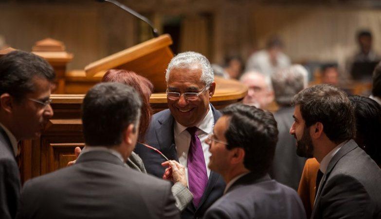 Primeiro-Ministro António Costa e membros do Governo no final do debate quinzenal em que apresentou o Programa Nacional de Reformas, Assembleia da República, 30 março 2016