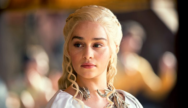 Daenerys Targaryen personagem interpretada por Emilia Clarke na série Game of Thrones