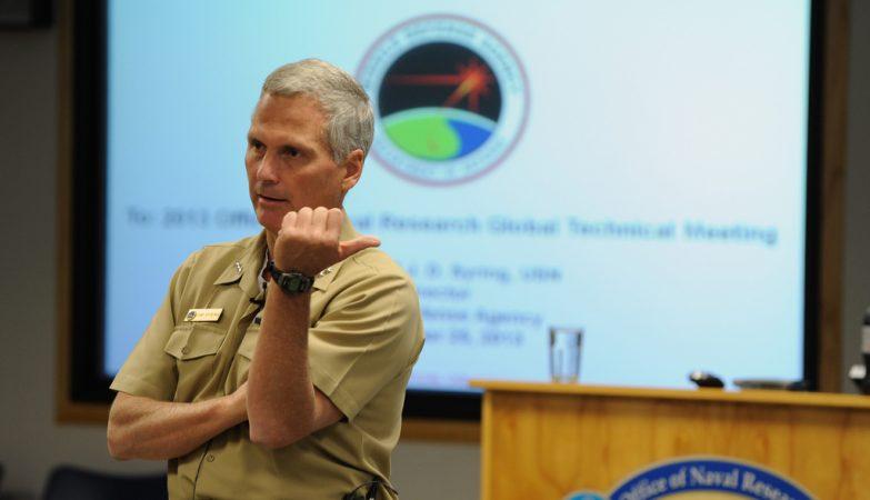 Vice-almirante James D. Syring, diretor da Agência para Defesa Antimísseis do Pentágono (MDA)