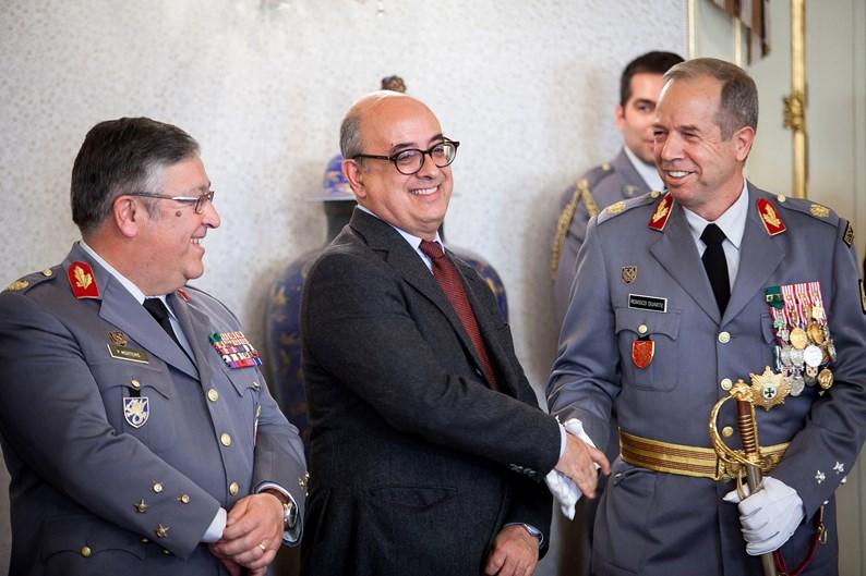 Ministro suspende cursos de Comandos até ao fim do inquérito da morte de  militar - ZAP 766e3246fa5