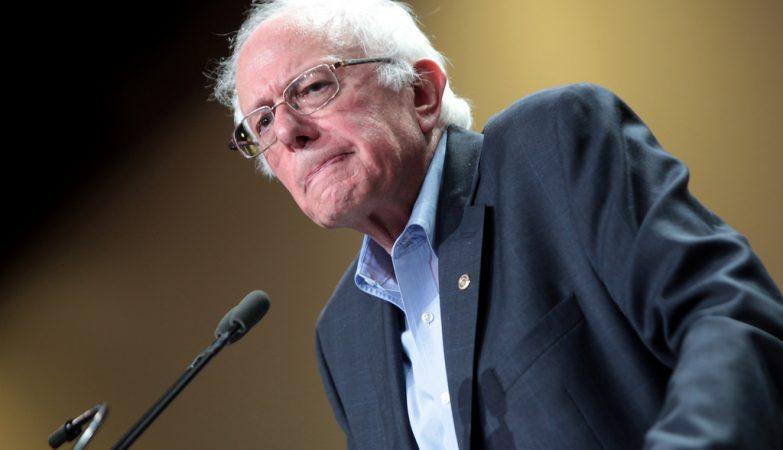 Bernie Sanders desiste da candidatura à Casa Branca
