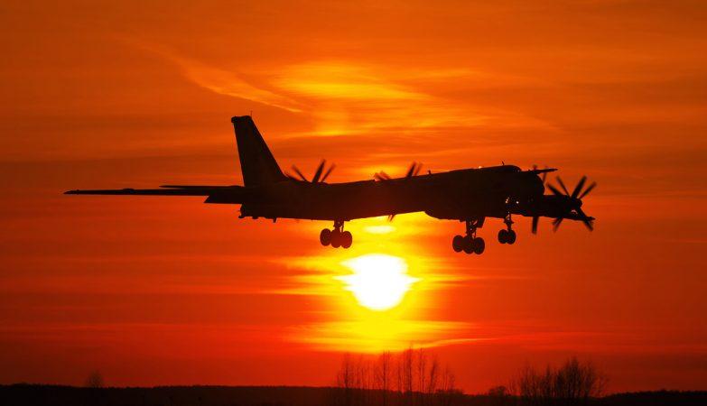 Um avião bombardeiro Tupolev Tu-95 'Bear' da Força Aérea da Rússia