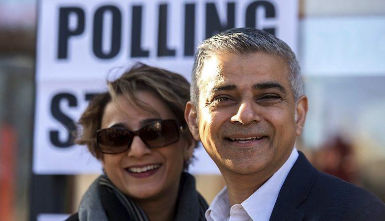 O novo presidente da Câmara de Londres, Sadiq Khan, com a mulher, Saadiya.