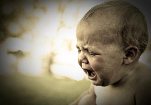Bebé a chorar