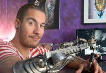 JC Sheitan, o tatuador que perdeu o antebraço e ganhou a primeira prótese com uma máquina de tatuar adaptada