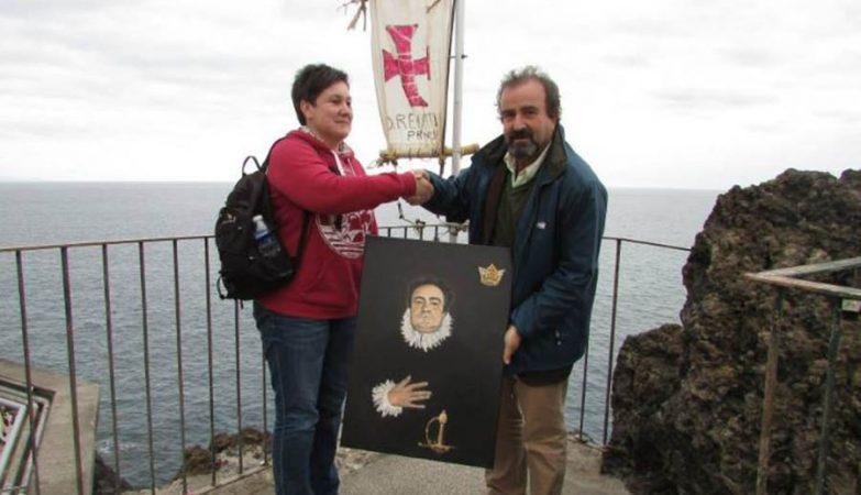 "Belga Ingrid Beullens ""oferece"" a Renato Barros o seu Retrato Real."