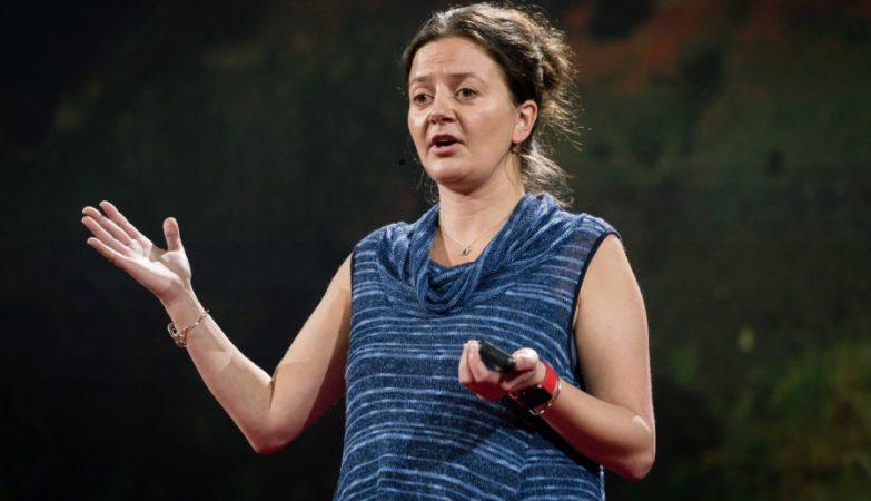 A astrónoma Tabetha Boyajian no TED2016