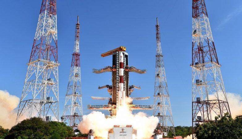 A agência espacial indiana ISRO colocou em órbita 20 satélites com um só lançamento