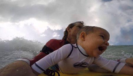 Bodyboard com o Bebé
