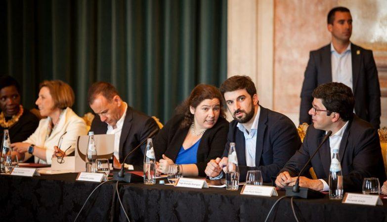 A Secretária de Estado Adjunta da Educação, Alexandra Leitão, e o Ministro da Educação, Tiago Brandão Rodrigues