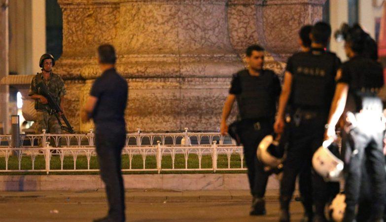 Golpe de estado militar em curso na Turquia
