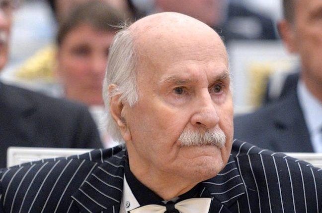... mas o russo Vladimir Zeldin, de 101 anos, garante que o actor mais velho do mundo está vivo e bem de saúde