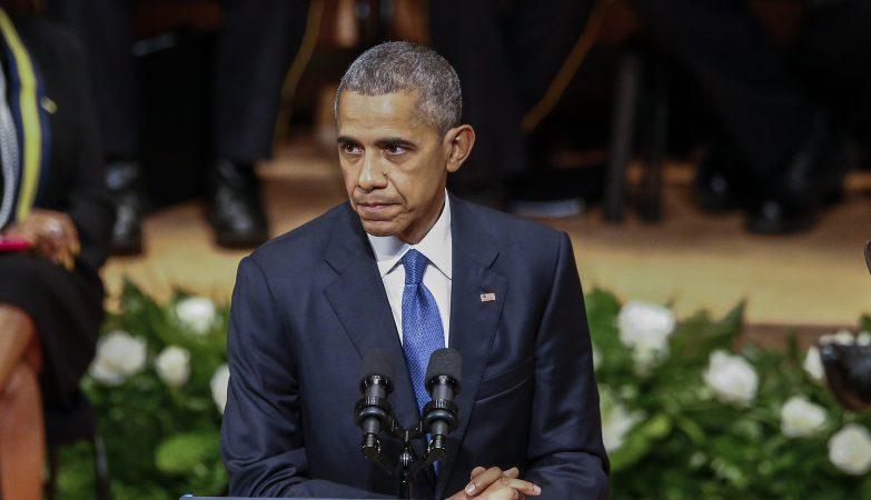 Barack Obama discursa no memorial pelos cinco polícias mortos em Dallas