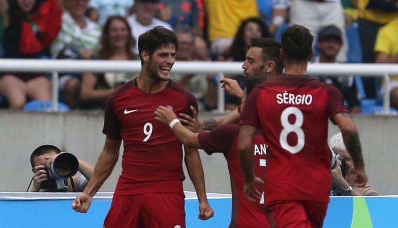 Gonçalo Paciência celebra o 1-2 da selecção nacional frente às Honduras