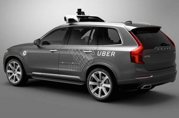 Polícia divulga imagens do acidente fatal envolvendo carro autônomo da Uber