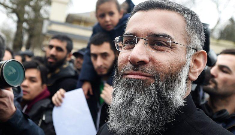O clérigo britânico Anjem Choudary foi considerado culpado de apoiar o Estado Islâmico