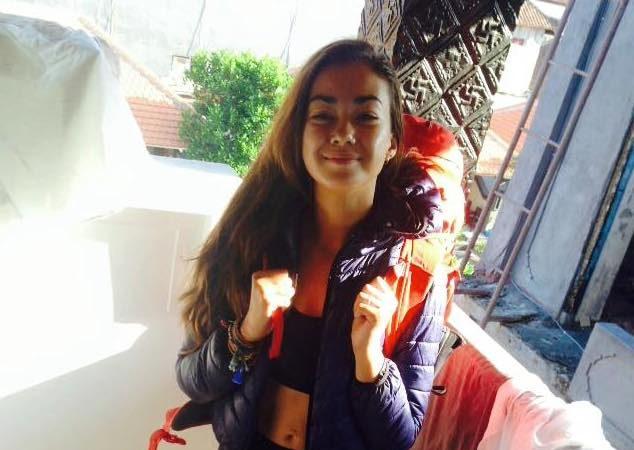 Mia Ayliffe-Chung, a jovem britânica de 21 anos vítima de um ataque à facada num hostel na Austrália