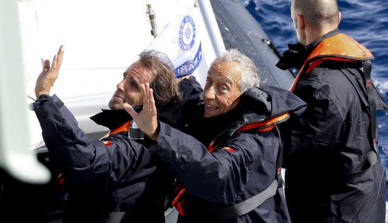 O Presidente da República de Portugal, Marcelo Rebelo de Sousa, acompanhado pelo presidente do Governo Regional da Madeira, Miguel Albuquerque, numa visita às Ilhas Desertas