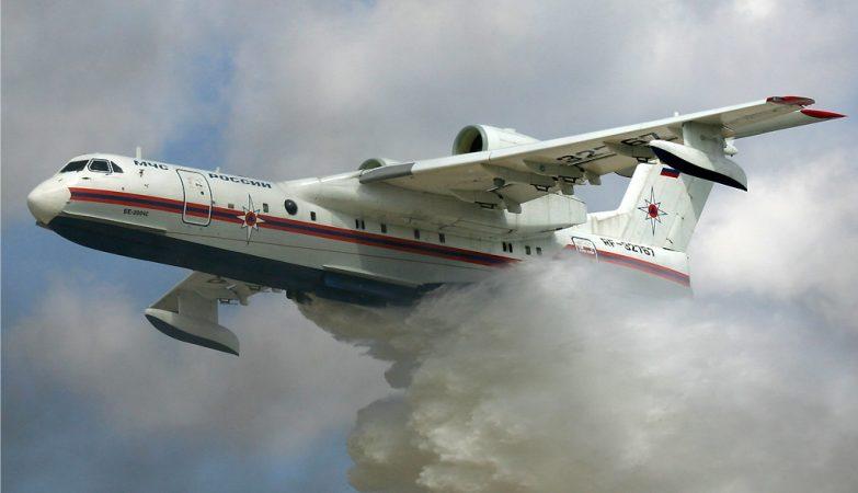 Aviões russos vêm ajudar no combate às chamas