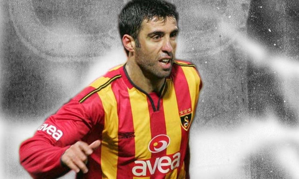 O antigo futebolista internacional turco Hakan Sukur foi acusado de envolvimento no golpe de estado na Turquia