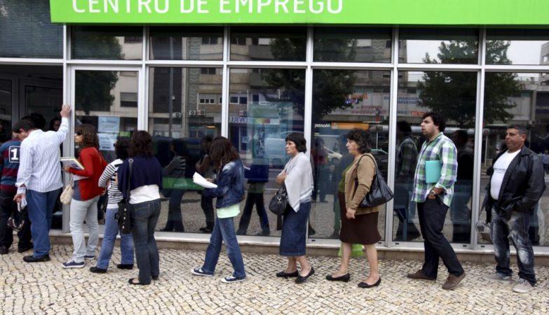 Resultado de imagem para Desempregados Sem Subsídio