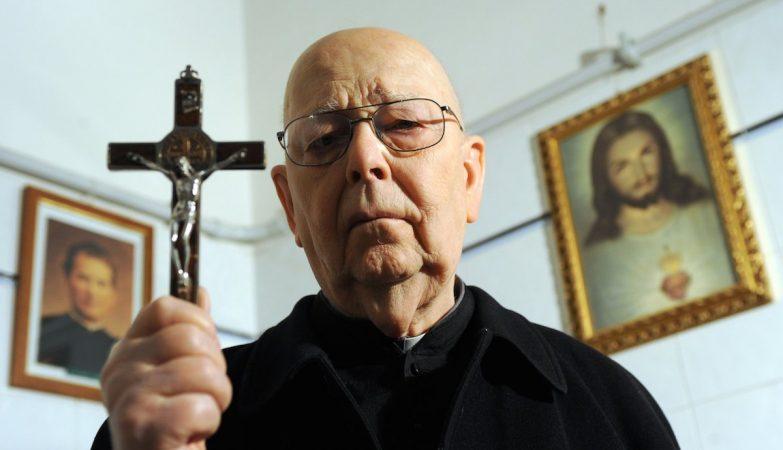 O padre Gabriele Amorth - provavelmente, o exorcista mais famoso do mundo