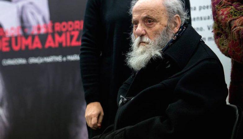 O escultor e artista plástico José Rodrigues