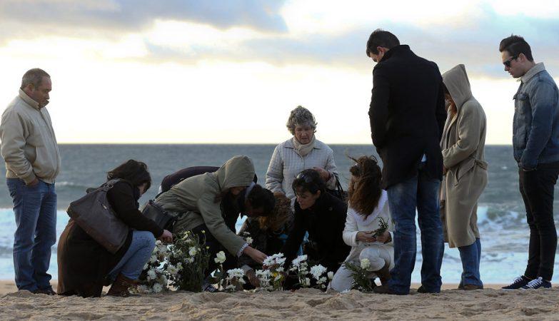 Homenagem às vítimas da tragédia da praia do Meco