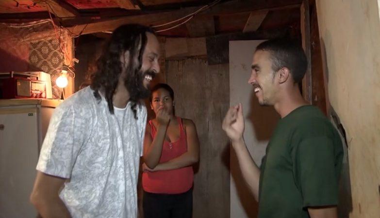 Gabriel O Pensador com o catador João Rodrigues Cerqueira