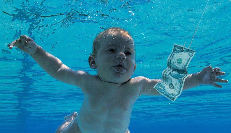 """""""Nevermind"""", Nirvana. O bebé da foto é Spencer Elden e tem agora 25 anos"""