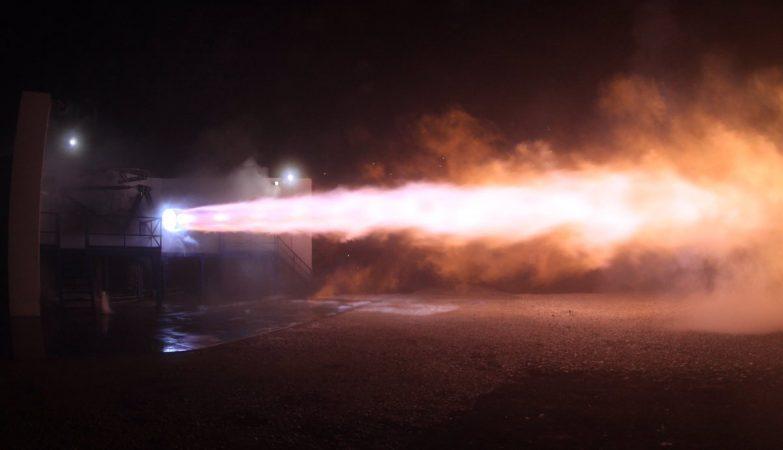SpaceX realiza primeiro teste do foguete que vai levar o Homem a Marte