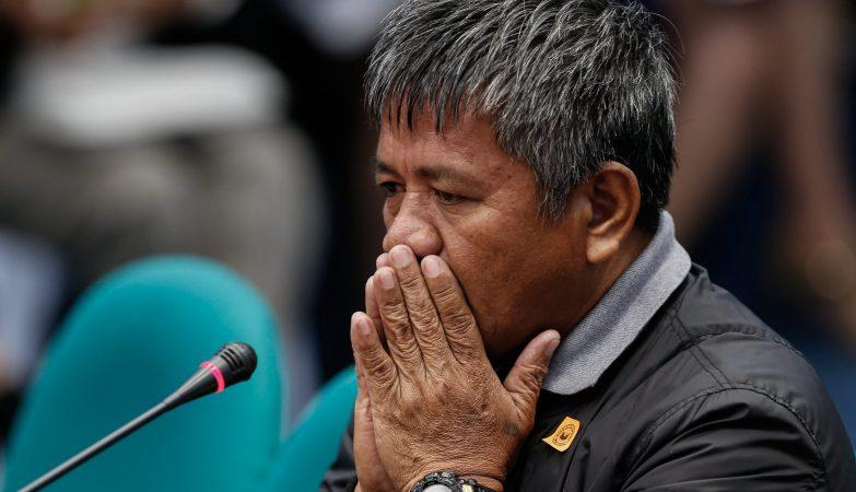 """Edgar Matobato, um ex-membro do """"esquadrão da morte"""" de Rodrigo Duterte que relata agora os horrores encomendados pelo atual Presidente das Filipinas"""