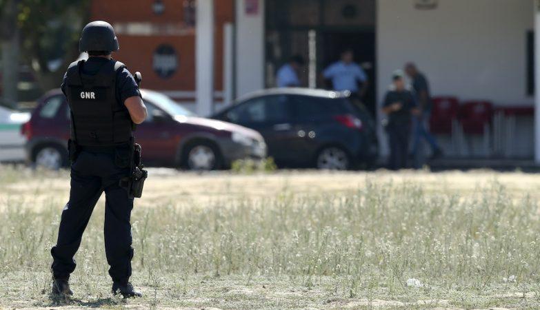 Um civil foi morto e um militar da GNR ferido em troca de tiros no Porto Alto após perseguição